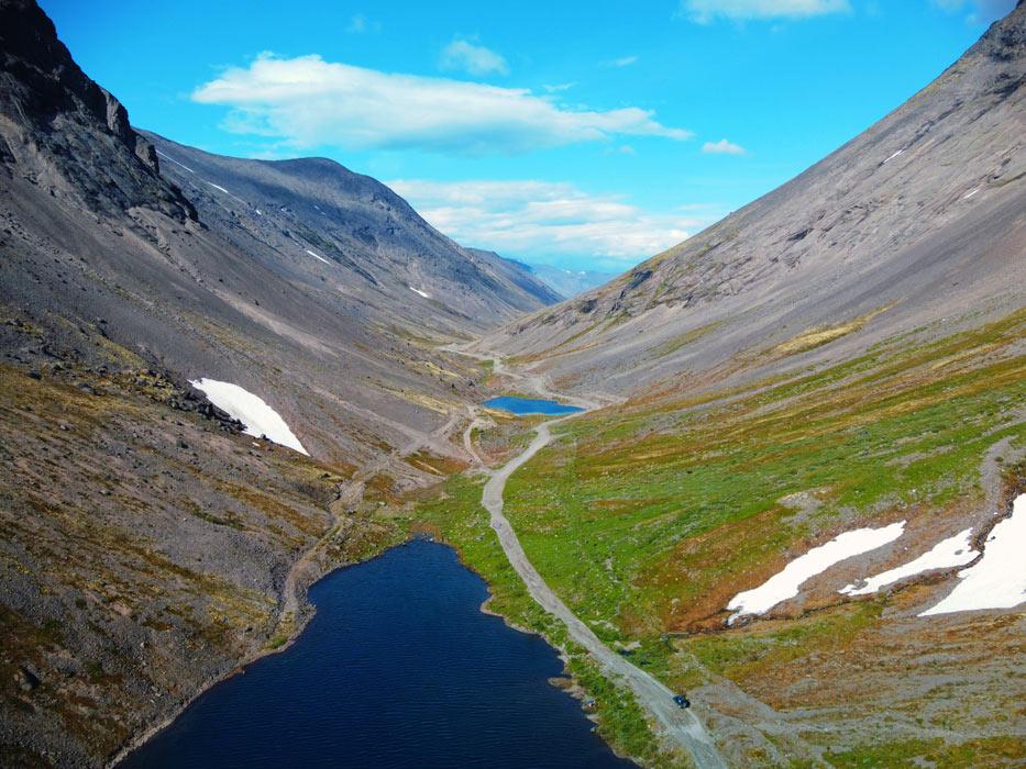 Два озера в Хибинах с дрона