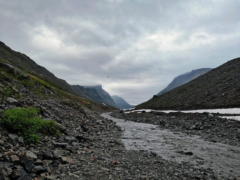 Горная река в Хибинах