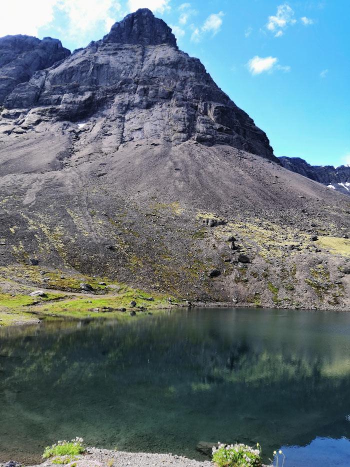 Хребет Поачвумчорр и озеро длинное