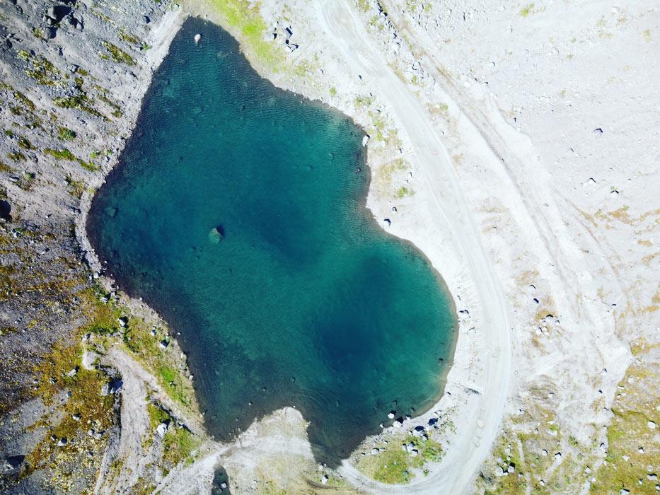 Озеро в Хибинах