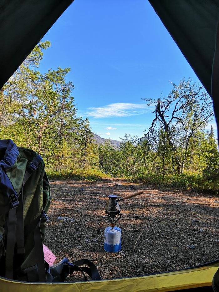 Вид из палатки с утра и кофе